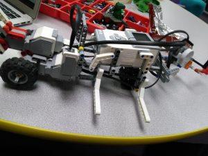 robot lego fighter